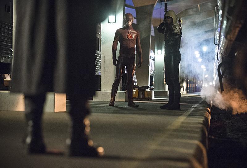 Arrow Review: S3E8 - Captain Boomerang is a Badass