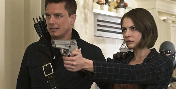 "Arrow -- ""Lost in the Flood"" -- Image AR422b_0322b.jpg -- Pictured (L-R): John Barrowman as Malcolm Merlyn and Willa Holland as Thea Queen -- Photo: Katie Yu/The CW -- © 2016 The CW Network, LLC. All Rights Reserved."
